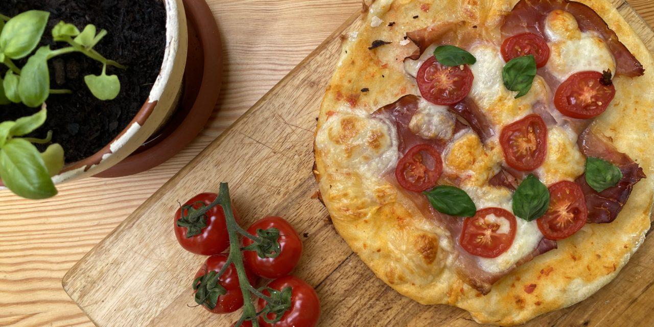 Pečeme domácí fitness pizzu a dodržujeme jídelníček
