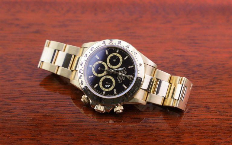 Co je to tachymetr? K čemu slouží čísla okraji hodinek